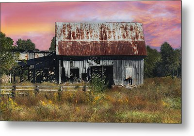 Oakwood Barn At Sunrise Metal Print
