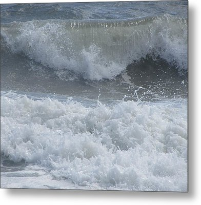Metal Print featuring the photograph Ocean At Kill Devil Hills by Cathy Lindsey