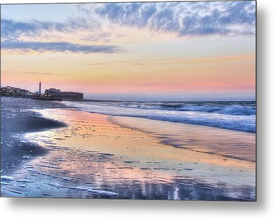 Ocean City Sunrise Metal Print by Lori Deiter