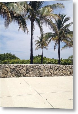 Ocean Drive Metal Print by Lisa Piper