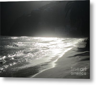 Metal Print featuring the photograph Ocean Smile by Fiona Kennard