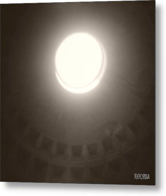 Oculus Pantheon Metal Print by Beverly Brown