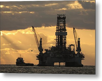 Offshore Rig At Dawn Metal Print
