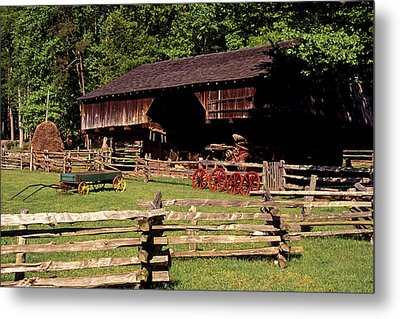 Old Appalachian Farm Cantilevered Barn Metal Print by Paul W Faust -  Impressions of Light