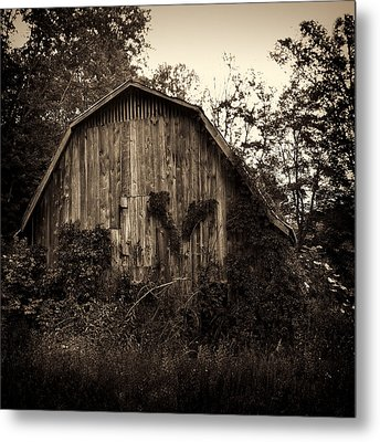 Old Barn 04 Metal Print by Gordon Engebretson