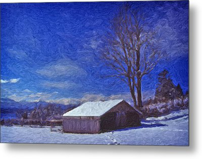 Old Barn In Winter Metal Print by Richard Farrington