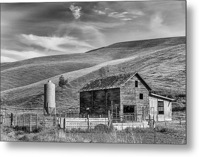 Metal Print featuring the photograph Old Barn Monochrome by Chris McKenna