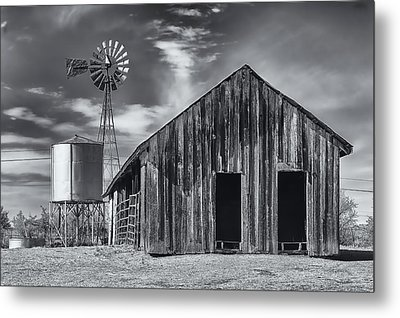 Old Barn No Wind Metal Print by Mark Myhaver