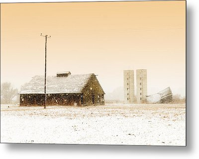 Old Barn On Highway 6 Metal Print