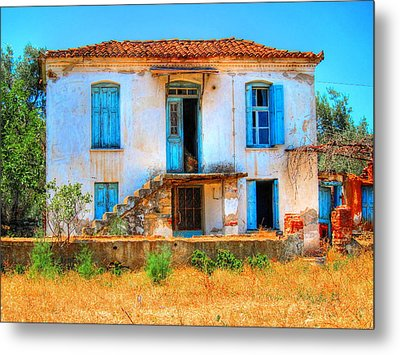 Old Beauty Metal Print by Andreas Thust