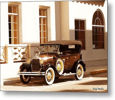 Old Beauty Metal Print