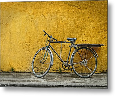 Metal Print featuring the photograph Old Bike by Kim Andelkovic