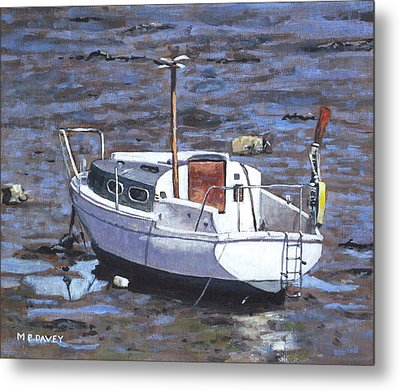 Old Boat On River Mudflats 1 Metal Print by Martin Davey