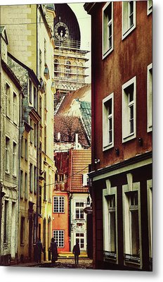 Old City Street Metal Print by Gynt