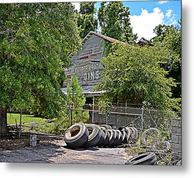 Old Cotton Gin Metal Print by Linda Brown