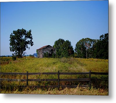 Old Country Barn Metal Print by Maggy Marsh