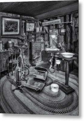 Old Fashioned Dentist Office Bw Metal Print