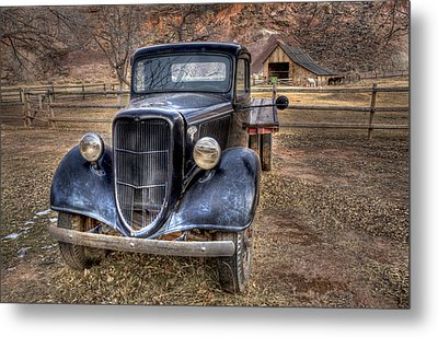 Old Ford Flatbed Metal Print by Wendell Thompson