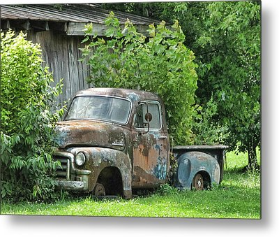 Old Gmc Metal Print by Victor Montgomery