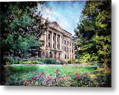 Old Guilford County Courthouse Summertime Metal Print