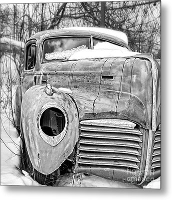 Old Hudson In The Snow Black And White Metal Print by Edward Fielding