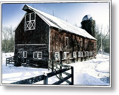 Old Jersey Farm In Winter Metal Print by George Oze
