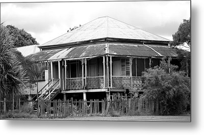 Old Queenslander Metal Print by Lee Stickels