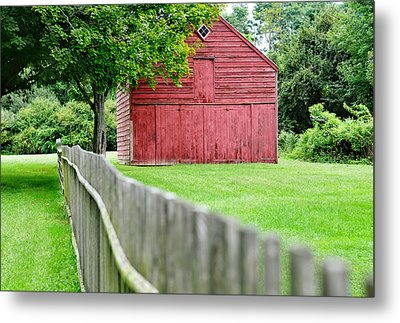 Old Red Barn Il Metal Print by Laura Fasulo