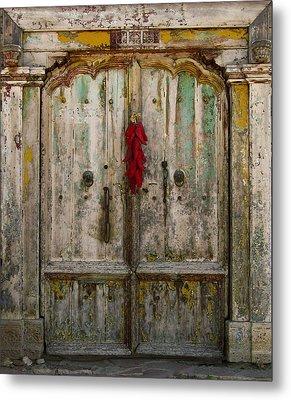 Old Ristra Door Metal Print by Kurt Van Wagner