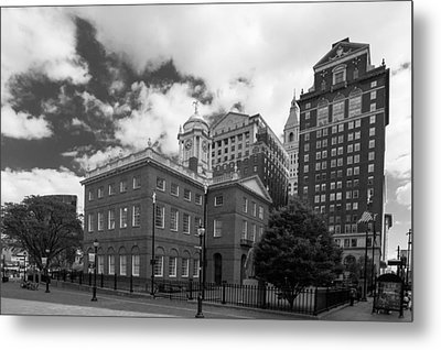 Old State House 15568b Metal Print by Guy Whiteley