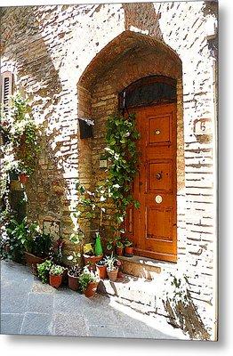Old Streets Of Tuscany San Gimignano Metal Print by Irina Sztukowski