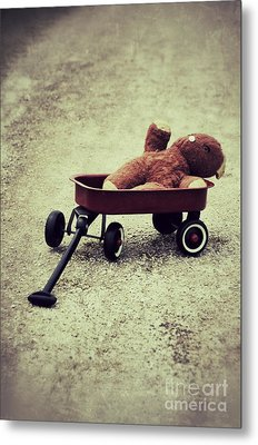 Old Teddy Bear In Red Wagon Metal Print by Birgit Tyrrell