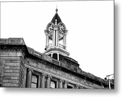 Metal Print featuring the photograph Old Town Hall In Stamford by Boris Mordukhayev