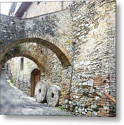 Old Towns Of Tuscany San Gimignano Italy Metal Print by Irina Sztukowski