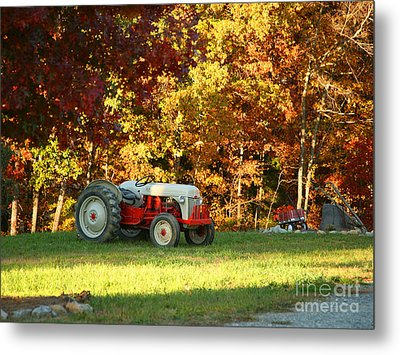 Old Tractor In A Carolina Fall Metal Print