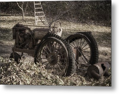 Metal Print featuring the photograph Old Tractor by Lynn Geoffroy