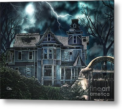 Old Victorian House Metal Print
