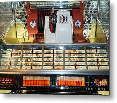 Old Vintage Jukebox Dsc2759 Metal Print by Wingsdomain Art and Photography