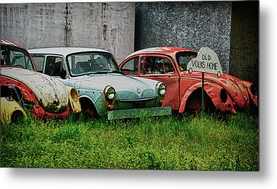 Metal Print featuring the photograph Old Volks Home by Trever Miller