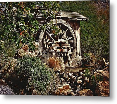 Metal Print featuring the photograph Old Water Wheel by Elaine Malott