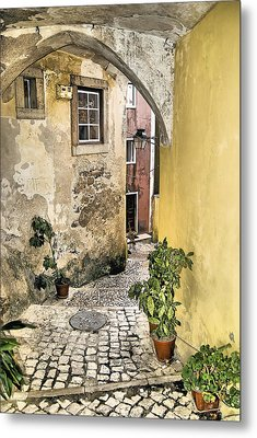 Old World Courtyard Of Europe Metal Print by David Letts