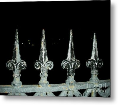 Metal Print featuring the photograph Olde Fence by Joseph Baril