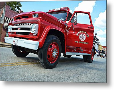 Ole Time Fire Truck Metal Print by Kelly Kitchens