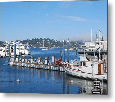 Metal Print featuring the photograph On The Bay by William Wyckoff