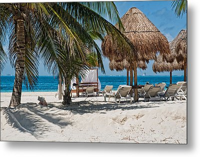 White Sandy Beach In Isla Mujeres Metal Print