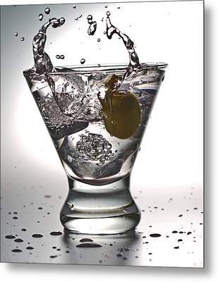 On The Rocks With Olive Splash Metal Print by John Hoey