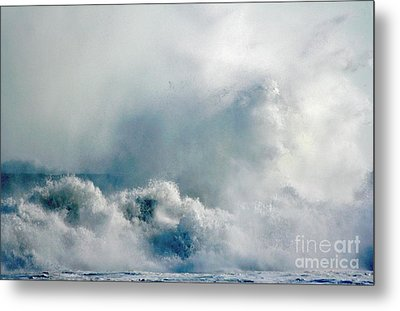 One Heck Of A Wave  Metal Print by Polly Peacock