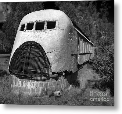Oneills Streamline Diner - 02 Metal Print by Gregory Dyer