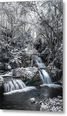 Onomea Falls In Infrared 2 Metal Print