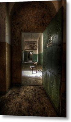 Open Green Door Metal Print
